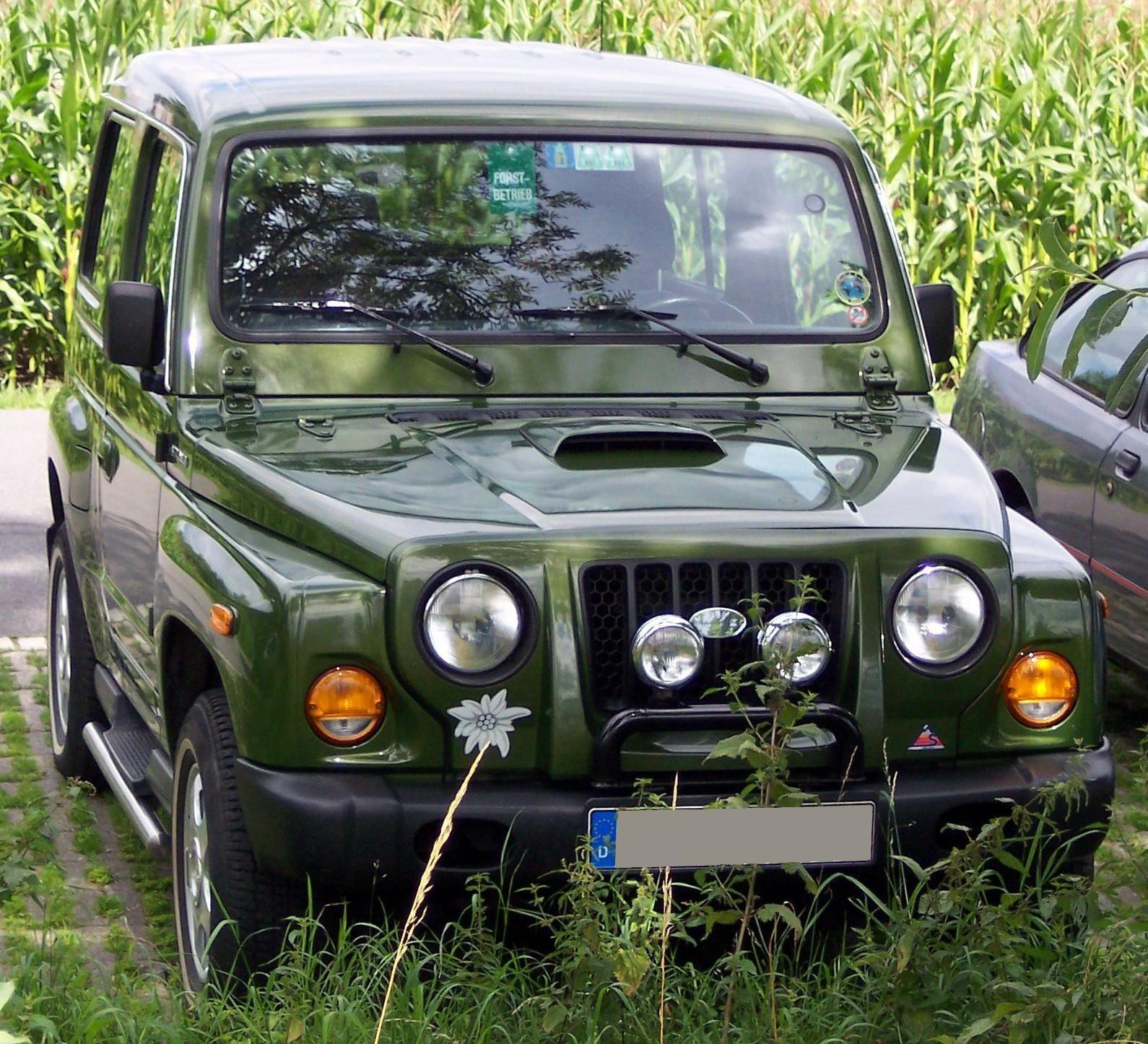 Kia Car Wallpaper: Military Jeep, Small