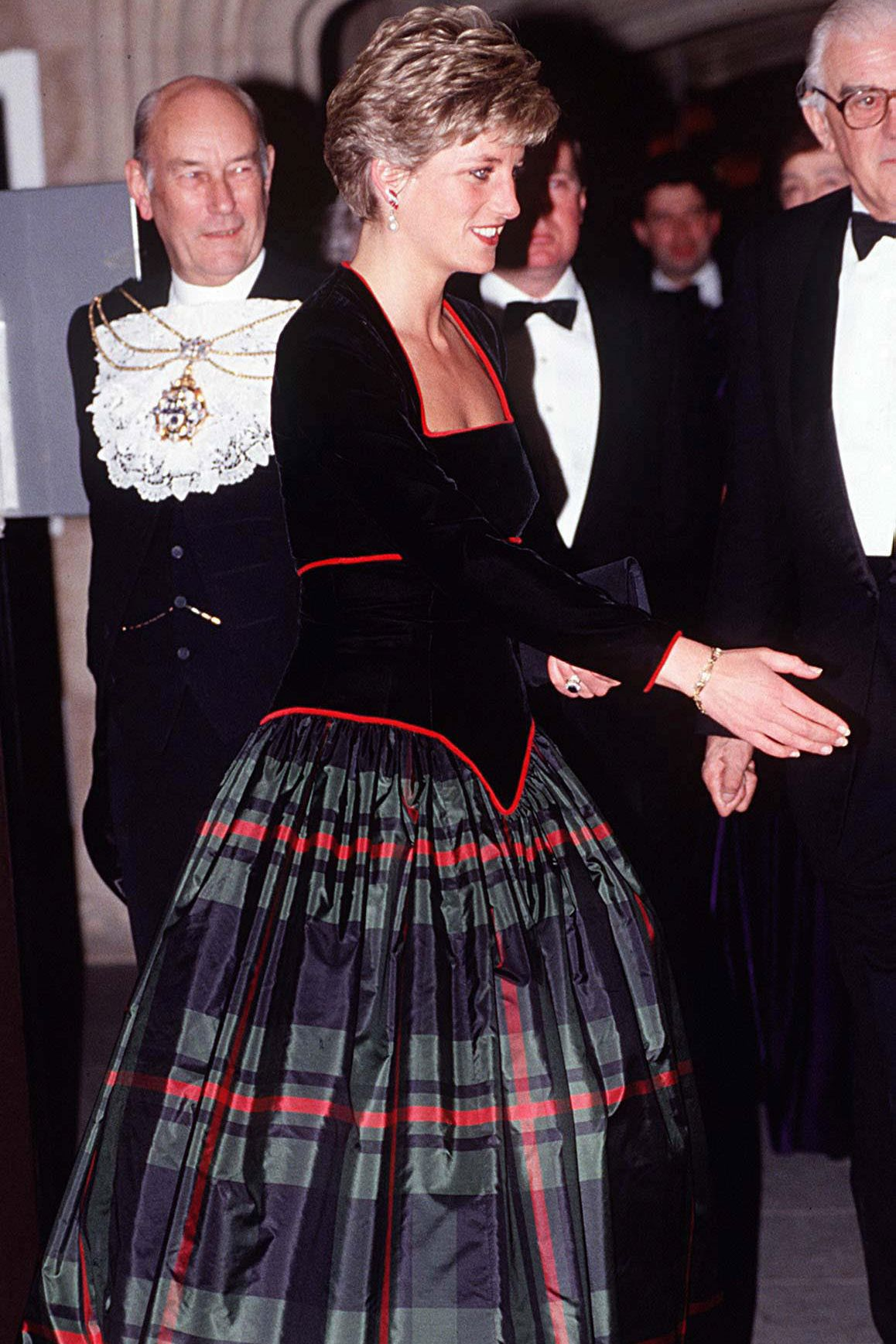 Plaid wedding dress   Times The Royal Family Killed It In Plaid  Diana princess of