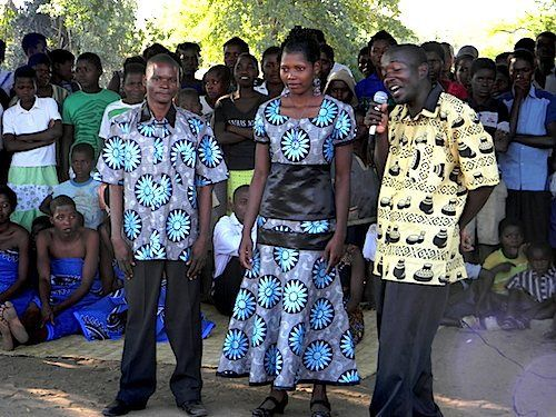 malawi tradtional clothing - Google Search | World Fashion ...