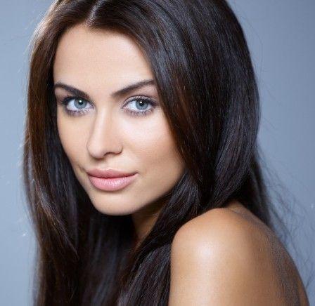 Makeup for Pale Skin Brunette