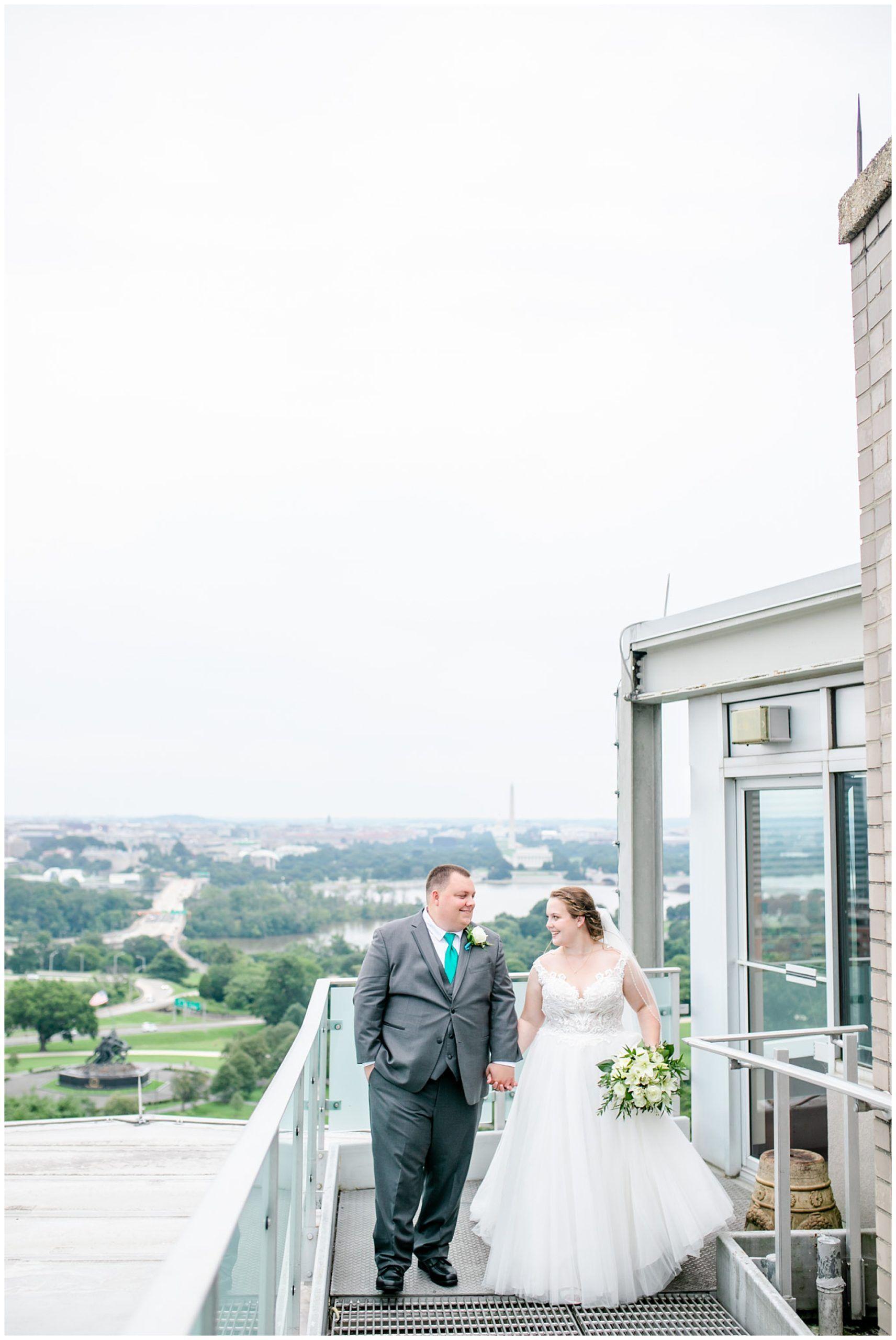 Top Of The Town Wedding In Arlington Virginia Rachel E H Photography In 2020 Virginia Beach Wedding Dc Wedding Photography Beach Wedding Photographer