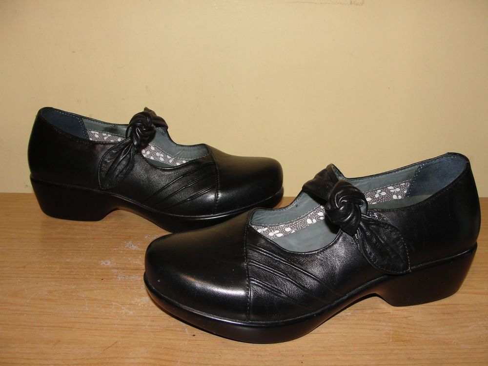 Dansko Leather Mary Jane Casual Solid Shoes for Women