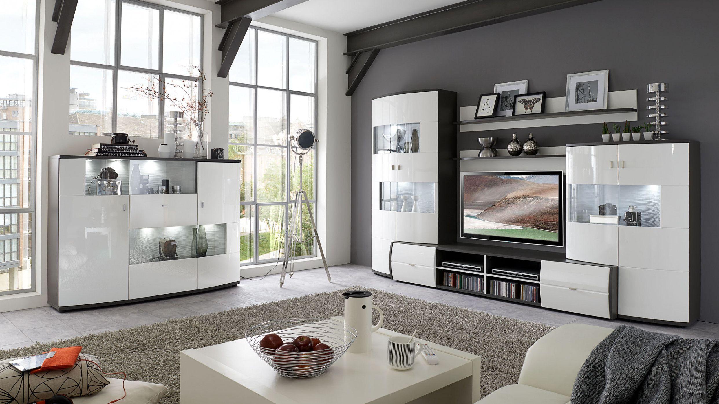 Wohnzimmer Unterschiedliche Möbel  Haus Ideen