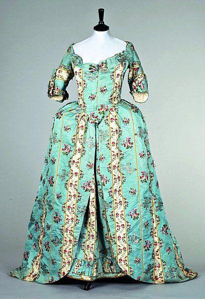 Aqua striped gown 1775-1780