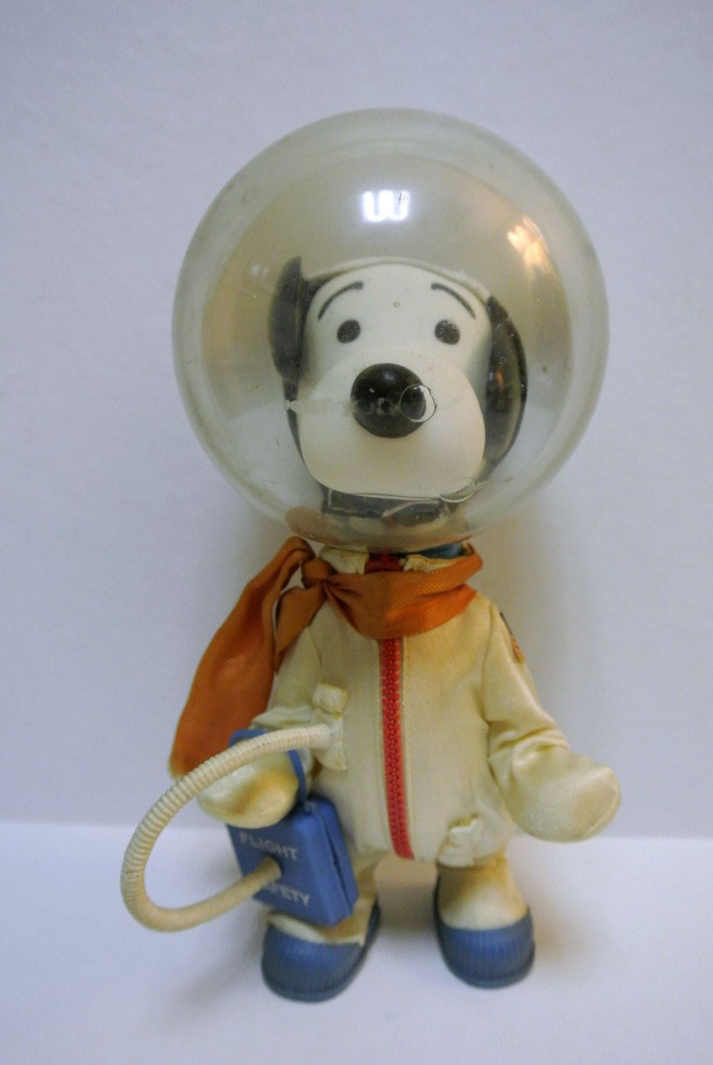 Vintage Astronaut Snoopy Doll Toy By United Feature Syndicate Inc 1969 Collectible Peanuts Charlie Brown Charlie Brown Peanuts Doll Toys Charlie Brown