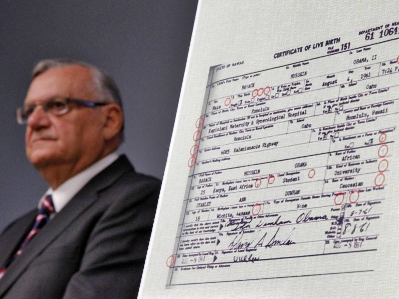 Donald Trumps Favorite Sheriff Is Still A Birther Joe Arpaio Says