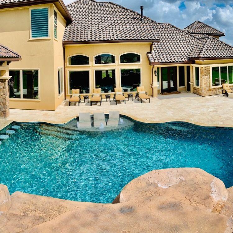 A Pool In Tomball Tx 200k Platinum Pools Custom Swimming Pool Pool Builders