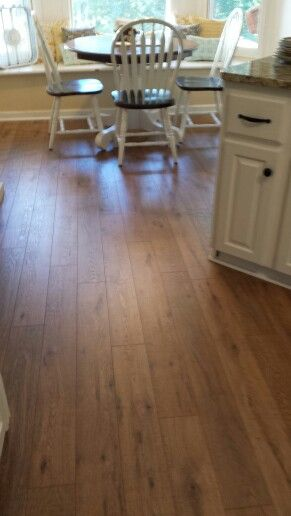 Nashville Oak Pergo Flooring Would Be About 3 000 In Our
