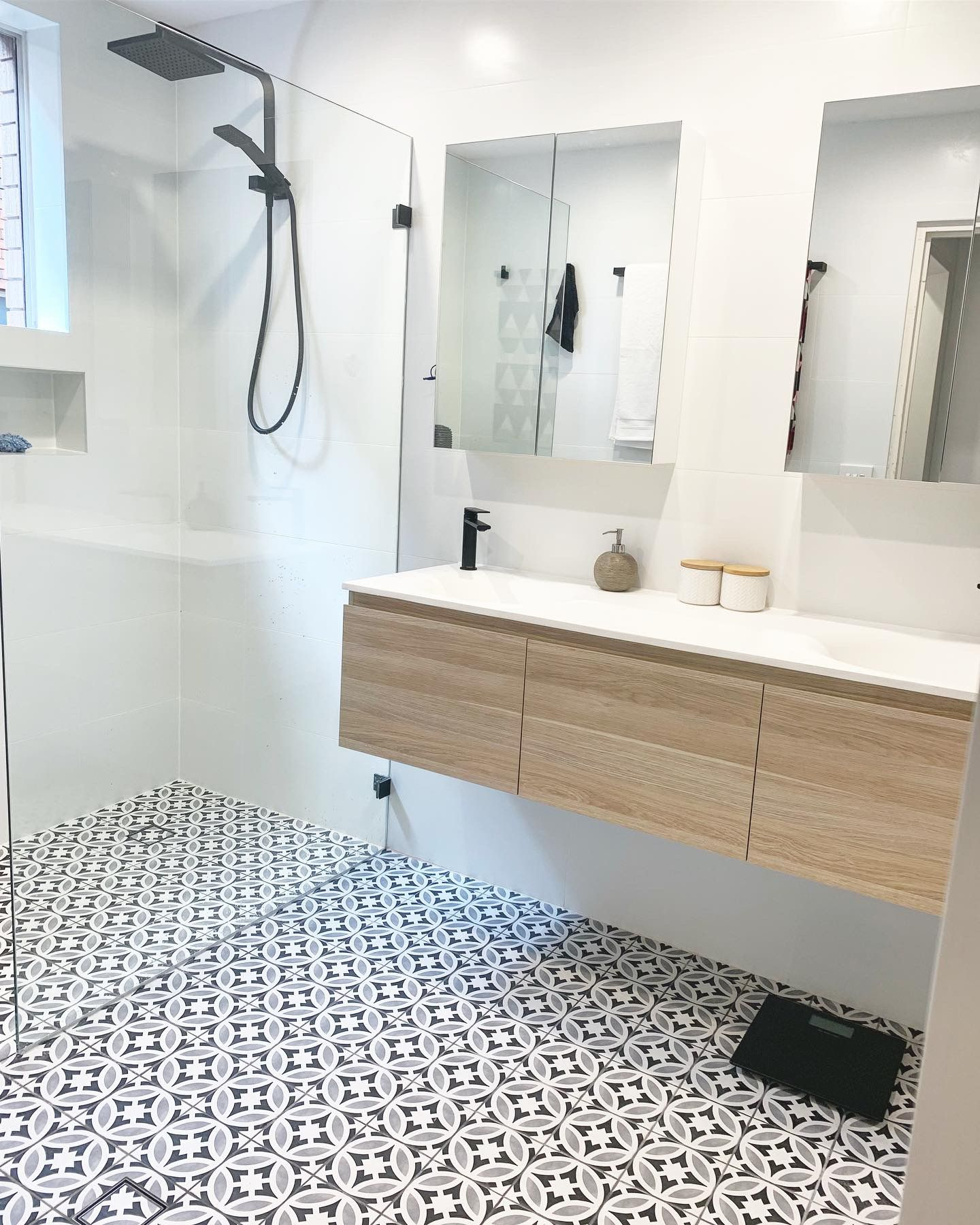 Double Vanity Decor Floor Tile White Wall Tiles Master Bathroom Design Bathroom Renovations Sydney Stylish Bathroom