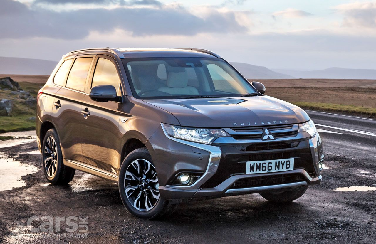 Mitsubishi Outlander Phev Updated For 2017 Price From 34 749 Outlander Phev Mitsubishi Outlander Mitsubishi Cars