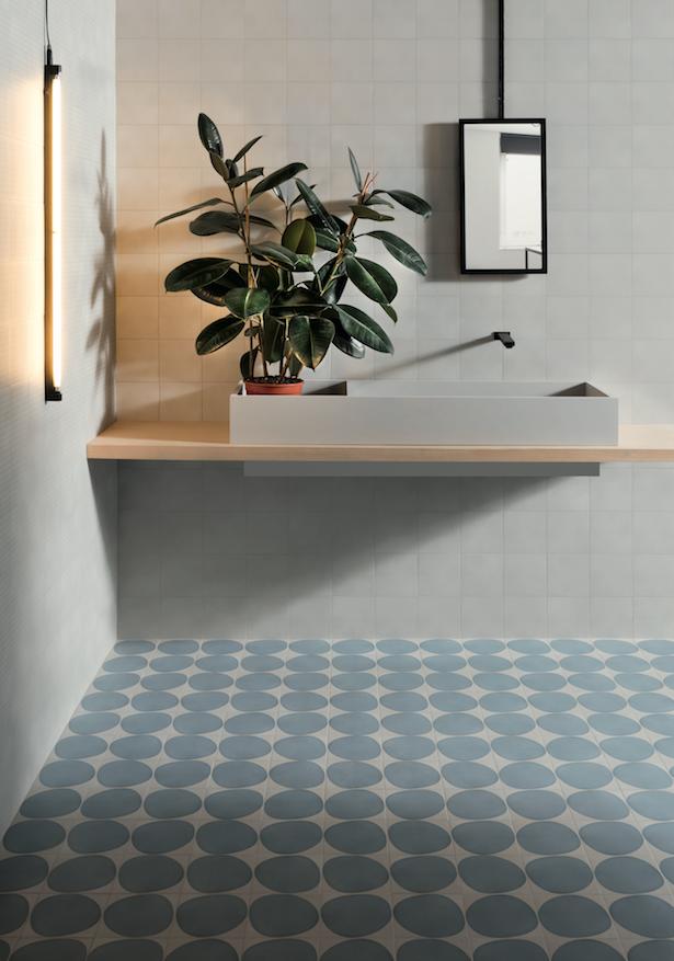 Épinglé par Carrément Victoire sur Design | Conceptions de carrelage salle de bains, Tuile et ...