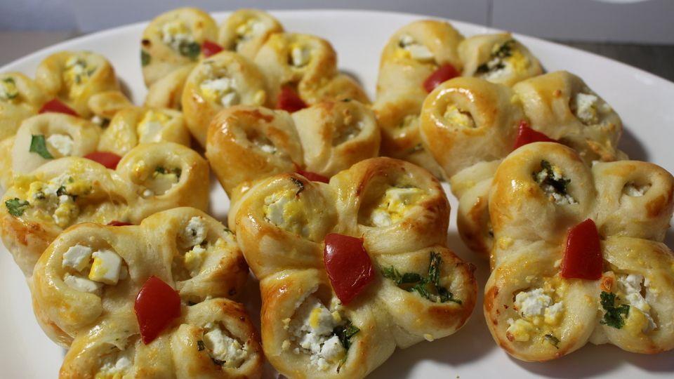 Türkisches Käsegebäck - yonca pogca Rezepte kunterbunt\/Pizza - türkische küche rezepte
