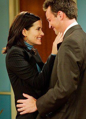 Milloin Monica ja Chandler alkavat dating ystäviä