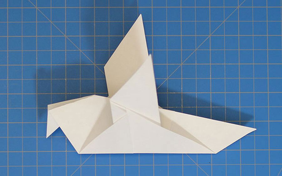 White Dove Paper Airplane Thecoolist Best Paper Airplane Design Paper Airplanes Paper Airplane Designs Longest flying paper airplane design