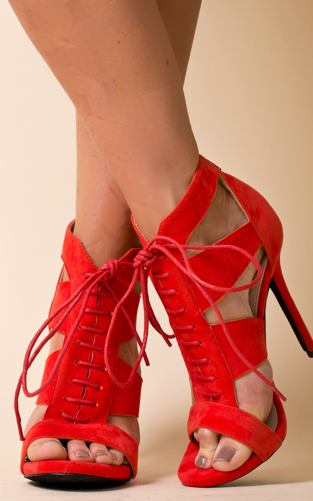 How to peep red wear toe heels pictures