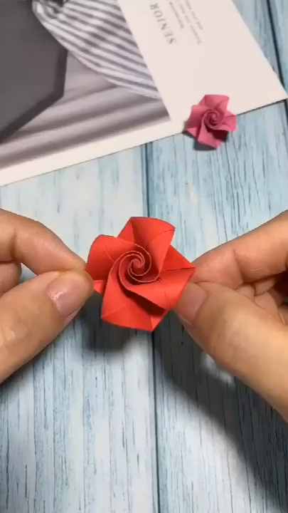 Here's another incredible paper origami tutorial