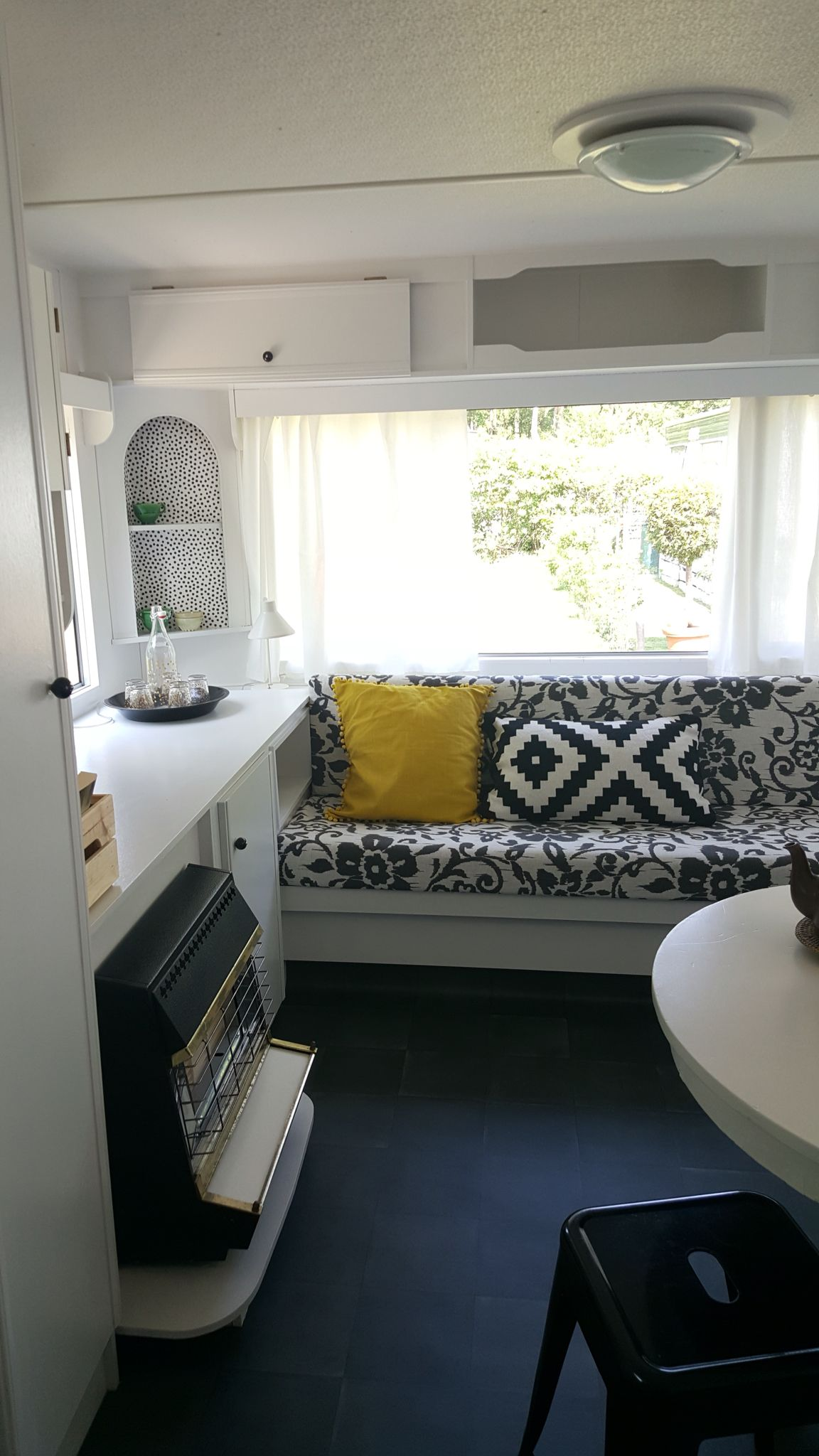 zithoek stacaravan life on the road caravane roulotte. Black Bedroom Furniture Sets. Home Design Ideas