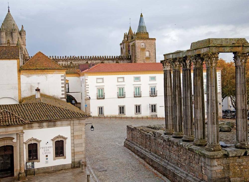 Évora, Alentejo, Portugal. Historic Center. #alentejo #visitalentejo #portugal #visitportugal #travel #historic #unesco #evora