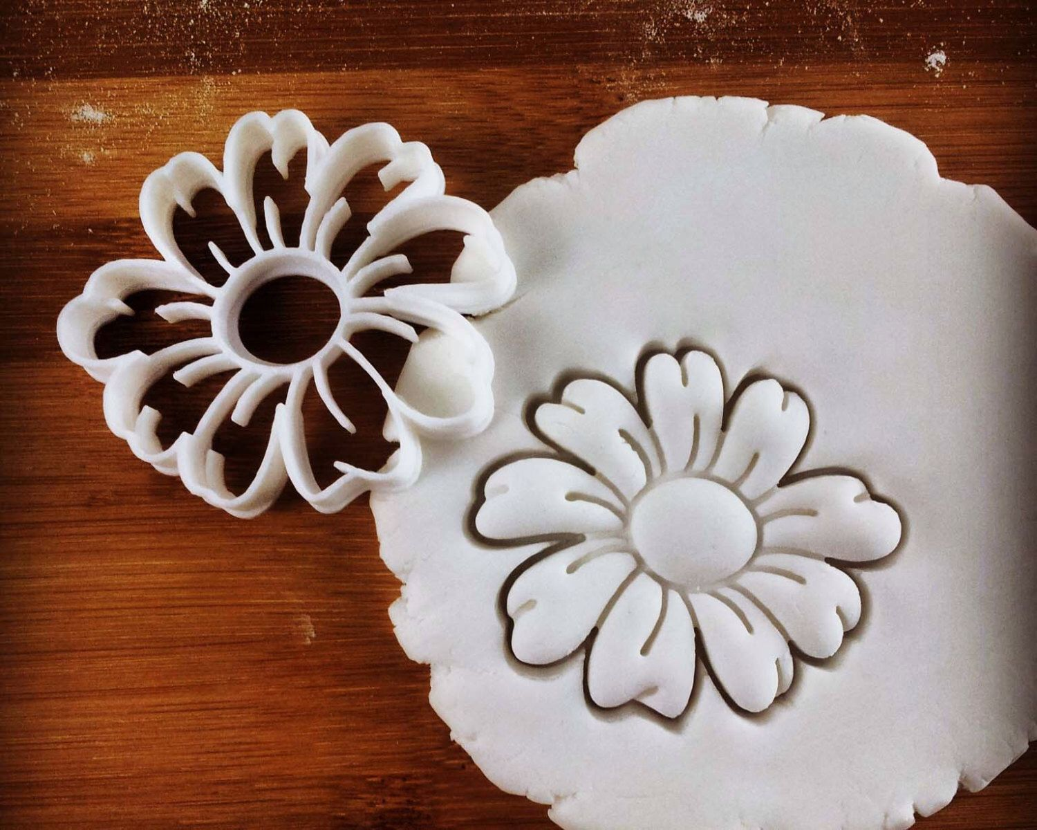 Daisy flower cookie cutter biscuit cutters flowers sunflower daisy flower cookie cutter biscuit cutters flowers sunflower plants bellis perennis asteraceae english daisy one of a kind ooak by made3d on izmirmasajfo