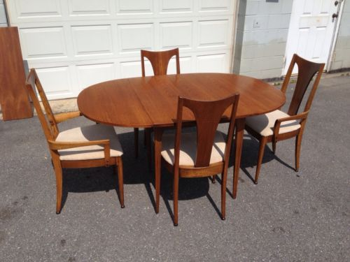 Beautiful Mid Century Modern Broyhill Brasilia Dining Chairs