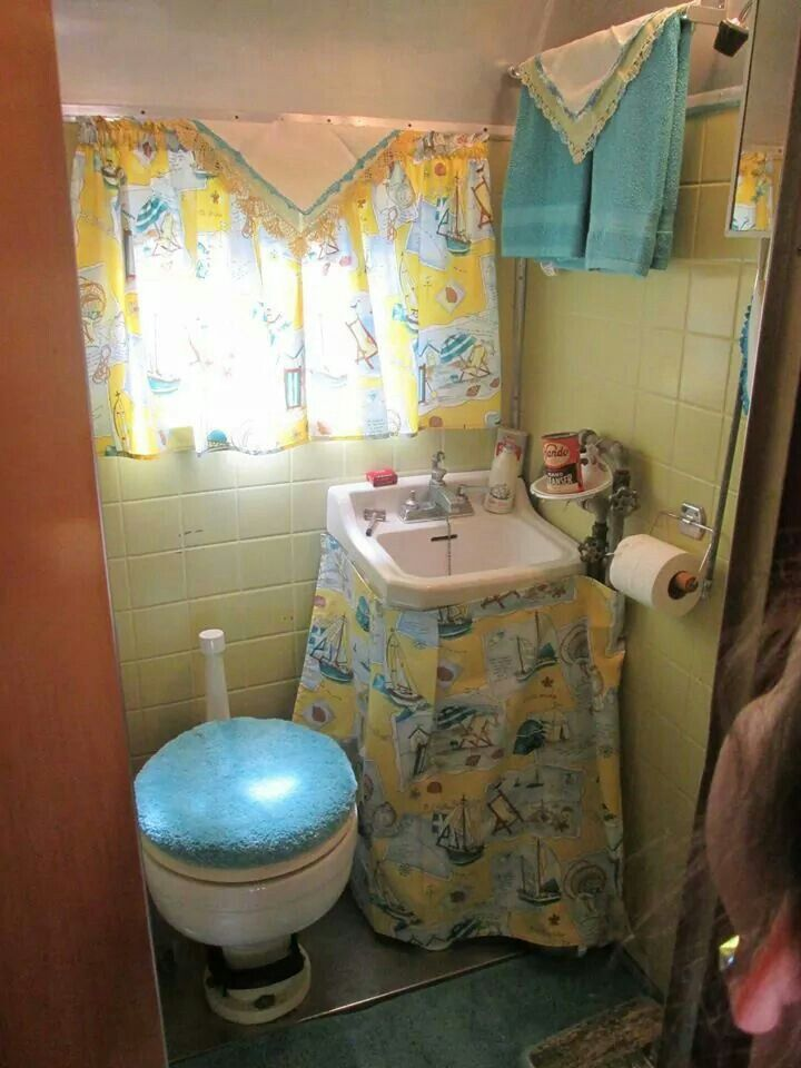 Vintage Camper Renohave Never Seen A Bathroom Quite Like This Endearing Small Camping Trailers With Bathrooms Design Ideas