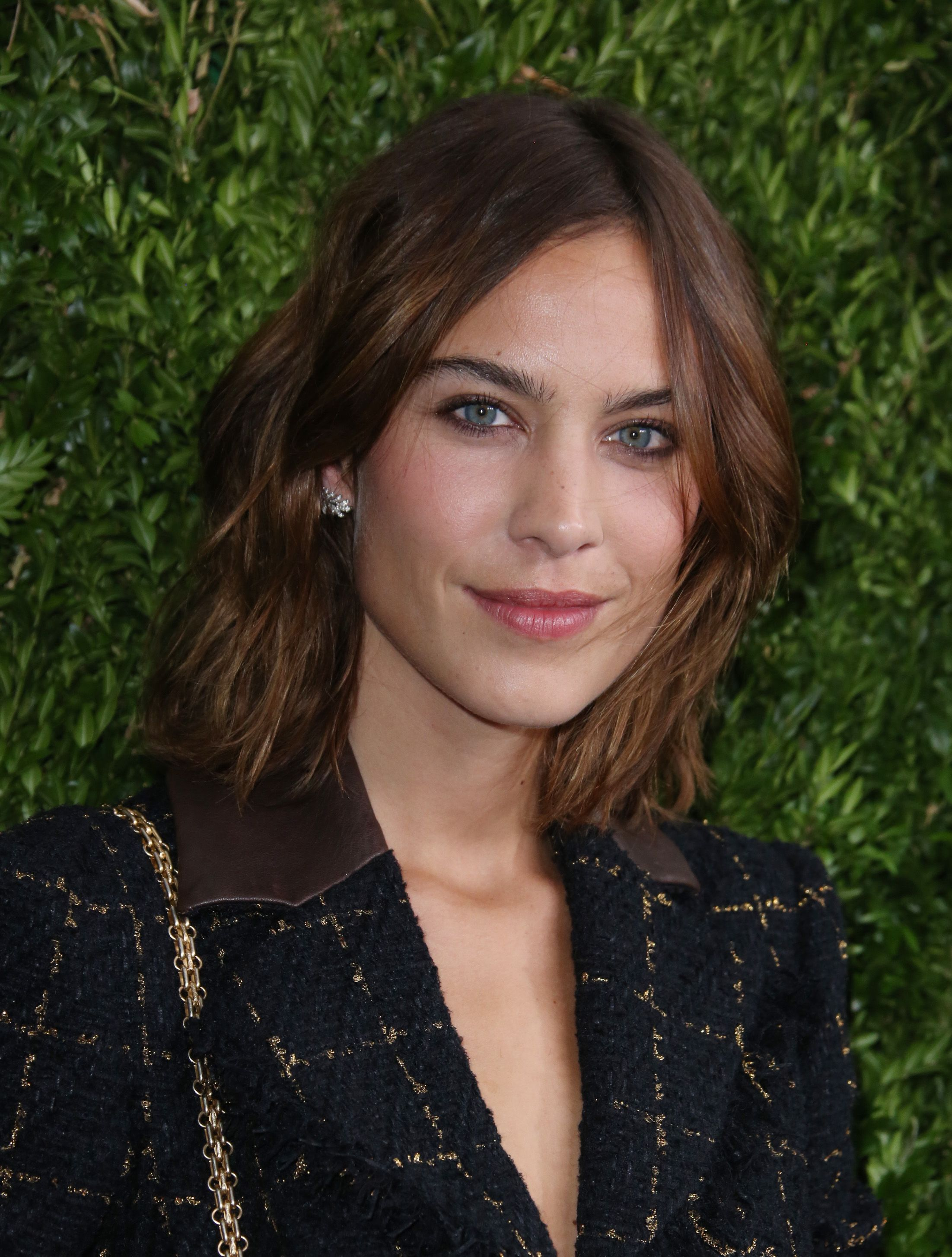 40 spectacular blunt bob hairstyles the right hairstyles - Psa These Will Be The It Hairstyles Of 2017 Refinery29 Http