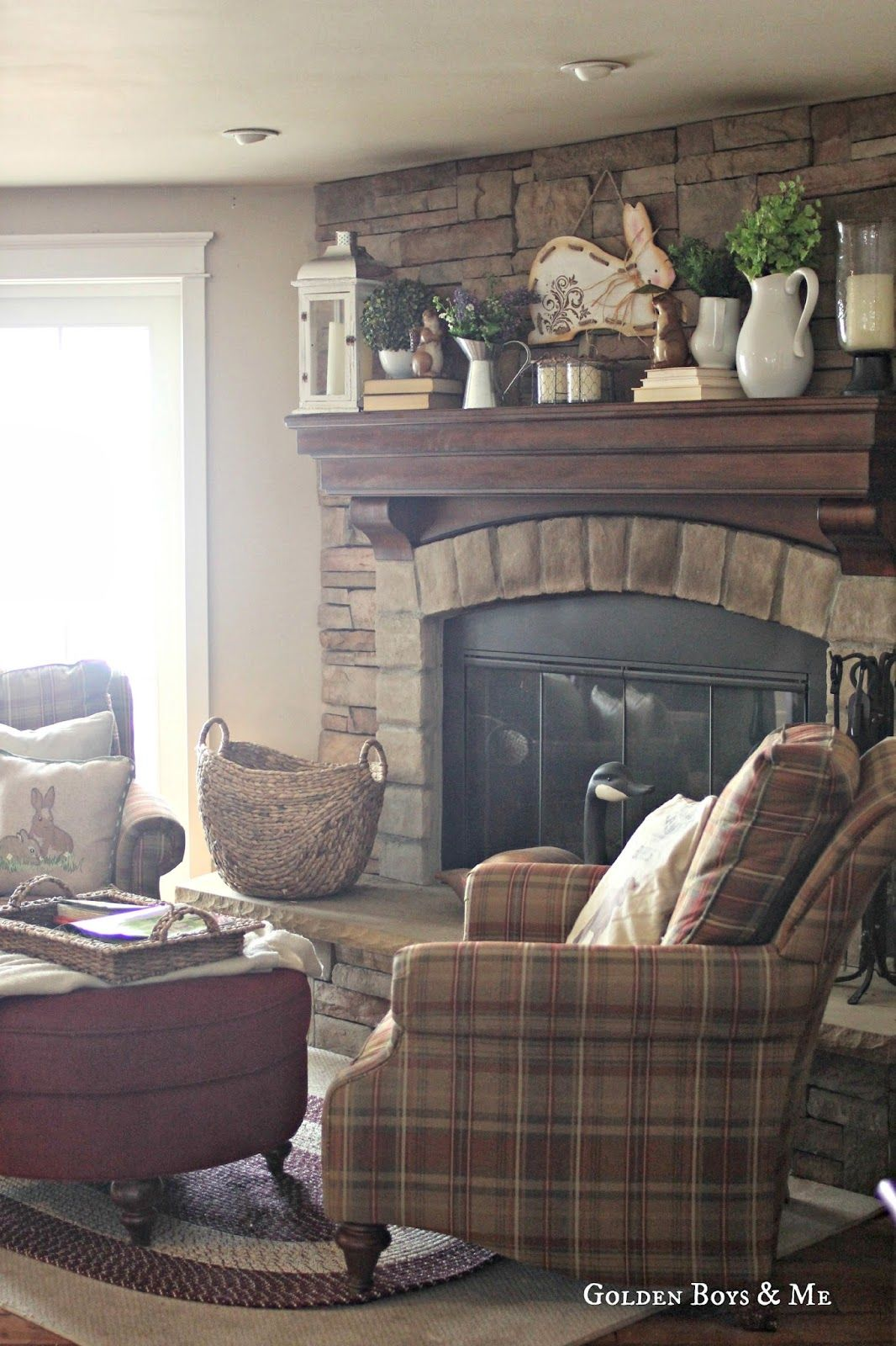 Photo of Spring Mantel (& Family Room)