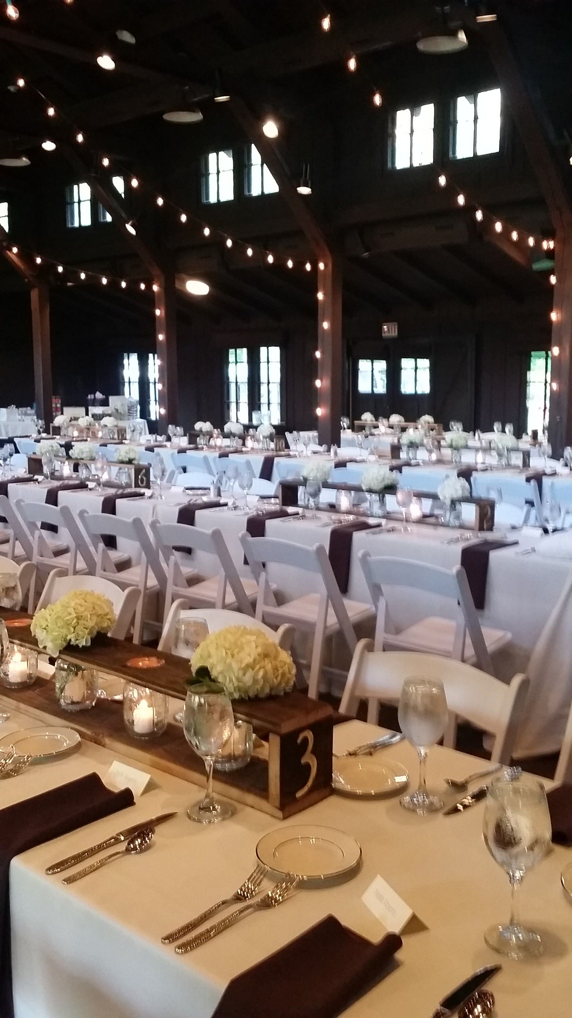 Beautifully Simple Rustic Decor At Happy Days Lodge