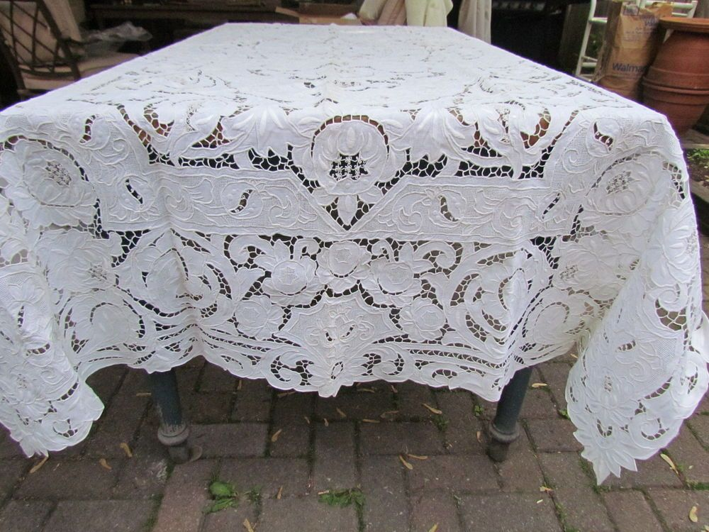 Vintage Linen Madeira Style Embroidered Floral Open Work Italian