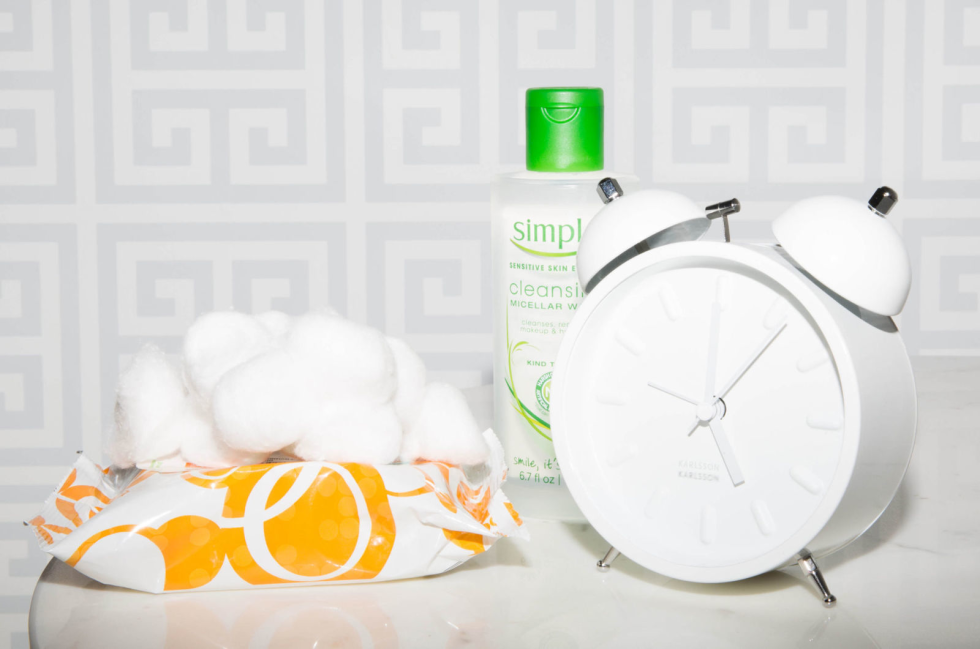 Keep Skin Looking Young - 20 Ways You're Sabotaging Your Skin in Your 20s