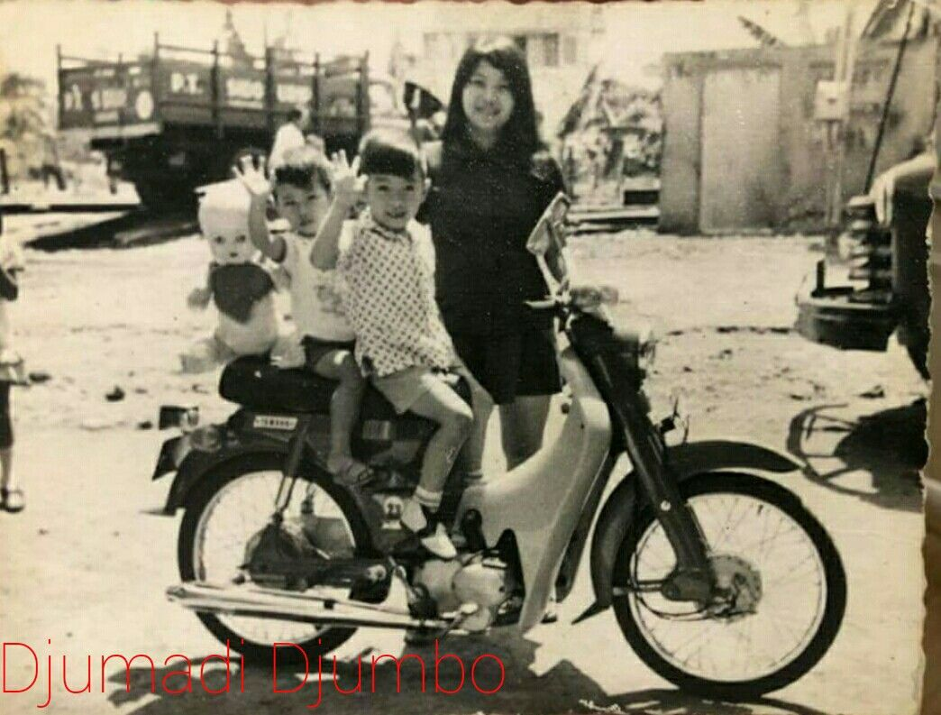 keluarga Djumadi Djumbo with yamaha u5(minthi/meri