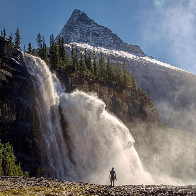 @calsnape getting up close and personal with Emperor Falls on the way to Berg Lake. The mist from this seems to blow forever so it's hard to get a shot without getting soaked! by kalenemsley