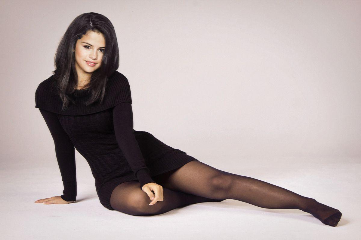 Selena Gomez Long Legs