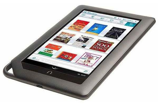 The Bookworm Mom Nook Tablet Kindle Reading Cool Tech Gifts