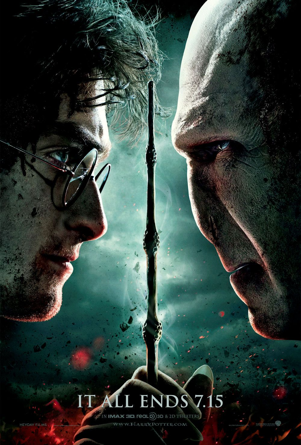 Harry Potter And The Deathly Hallows Part 2 Poster Appropriately Gritty Harry Potter Vs Voldemort Harry Potter Funny Deathly Hallows Part 2