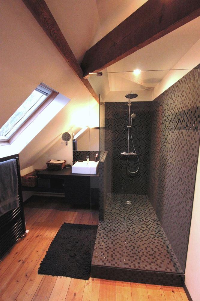 Douche italienne sdb salle de bains sous pente salle de bains combles et salle de bain douche - Salle de bain sous comble ...