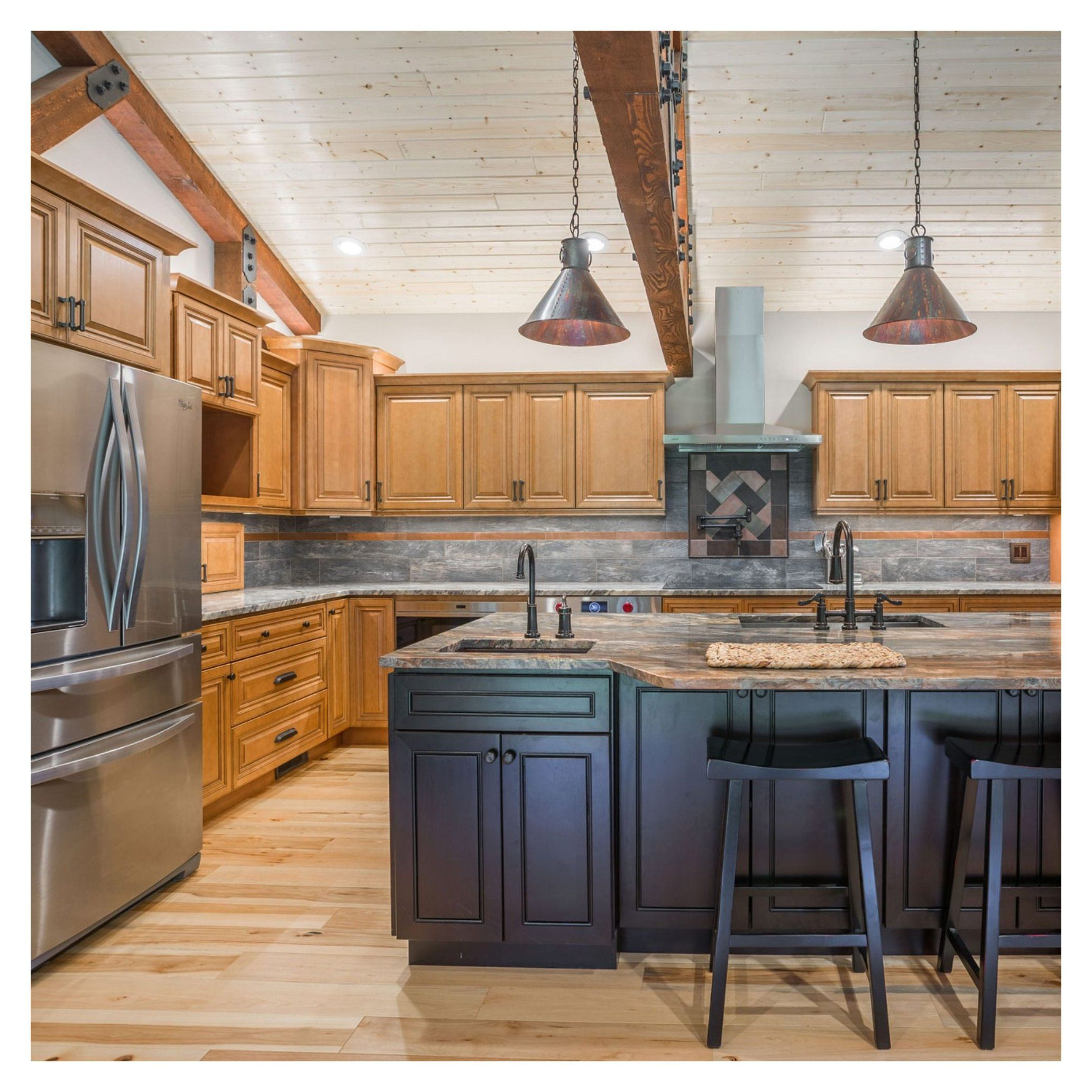 Pin By Erin Mckee On House In 2020 Maple Kitchen Cabinets Maple Cabinets Kitchen Cabinet Styles