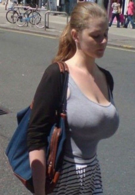 Pin on busty babes 25