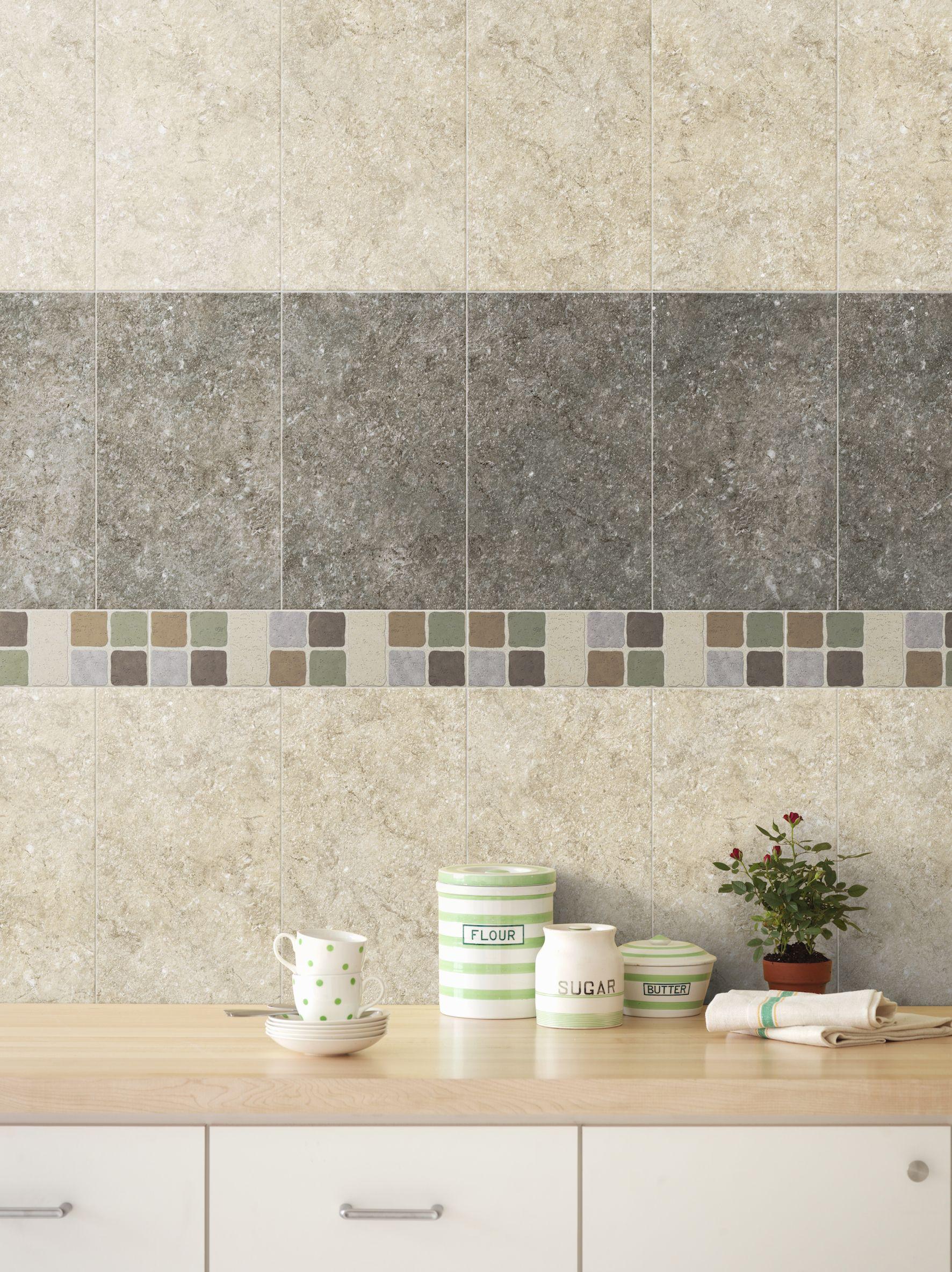 bloques de color en las paredes de la cocina