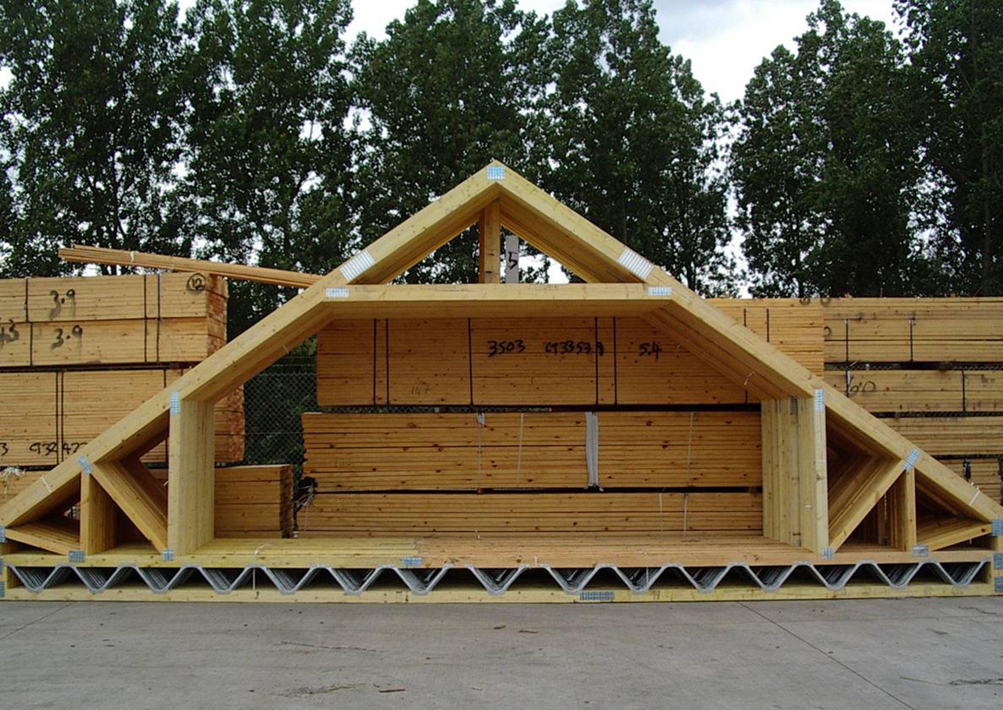 Attic Truss In 2020 Attic Truss Roof Truss Design House Roof