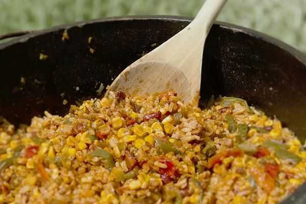 """Dutch Oven """"Fall off the Wagon"""" Rice and Beans - Thrive Life Recipes"""