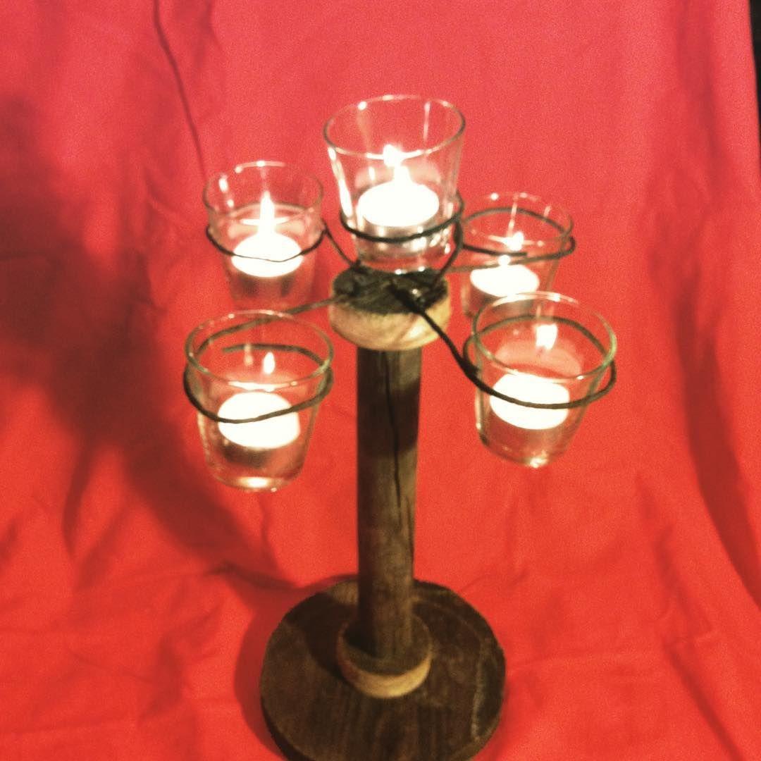 Ein Tragbarer Kerzenleuchter Fur Romantische Sommernachte Mit Herzblut Gefertigt Aus Restholz Und Windlichtern Diy Selbe Candle Holders Candles Holder