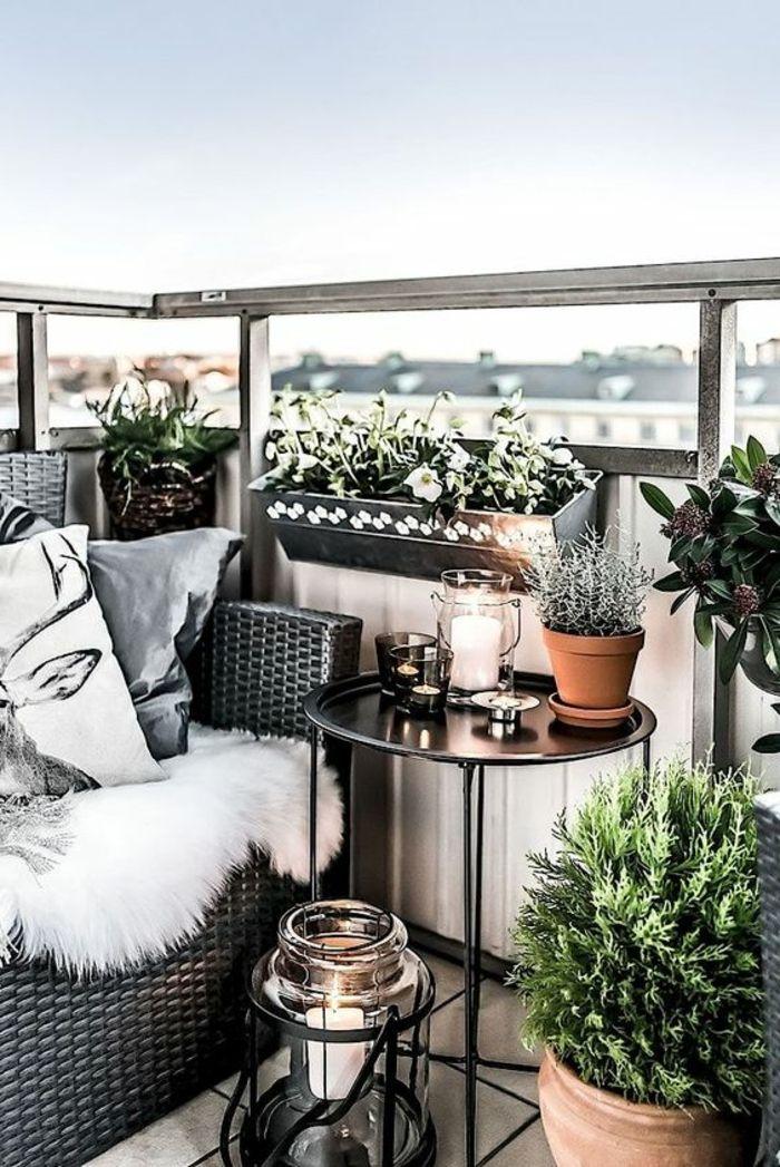 1001 ideas de decoracion de terrazas grandes o peque as rattan mesa redonda y balcones - Portavelas grandes ...