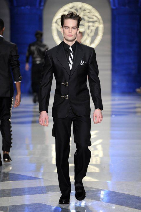 i love this versace suit ..........  70ef056a85e