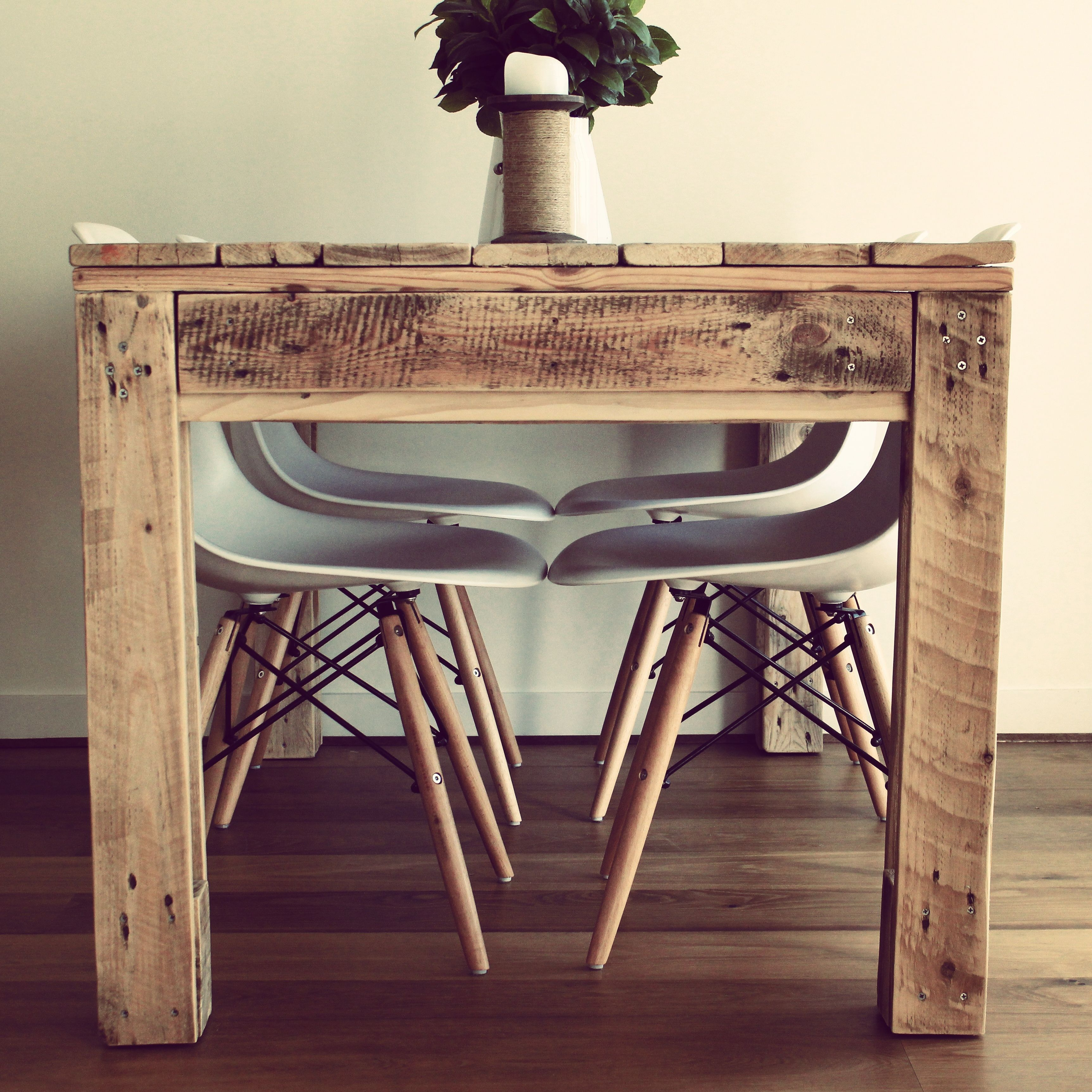 dining table made from reclaimed pallet timber | crative reclaimed
