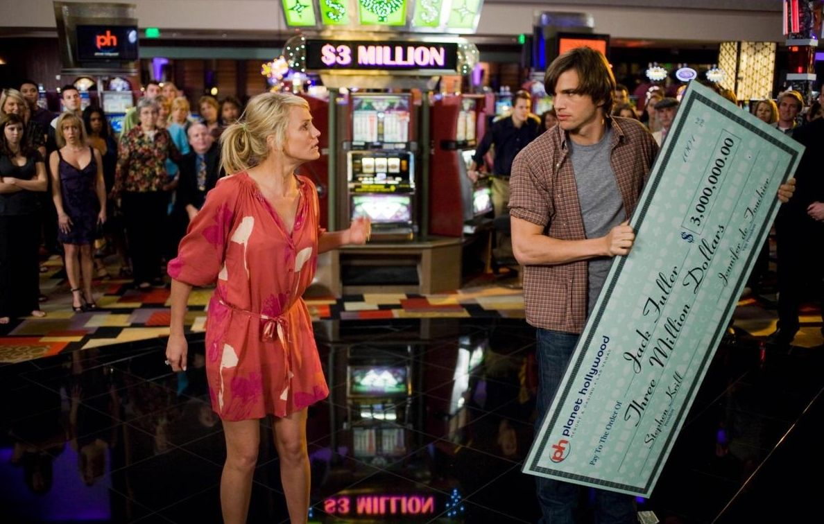 "In ""What Happens in Vegas"" a giant jackpot puts Vegas newlyweds Cameron Diaz and Ashton Kutcher at odds. (2008)"