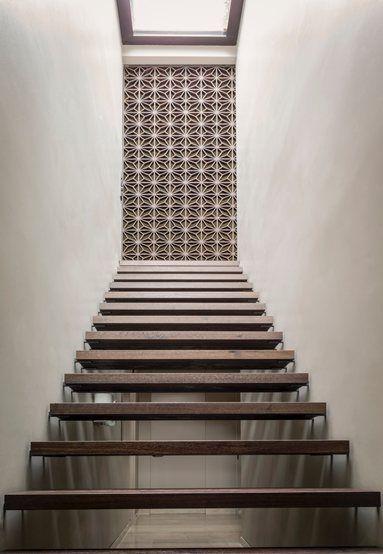 House in a Urban Jungle, Augsburg, 2014 - Dreimeta #staircase
