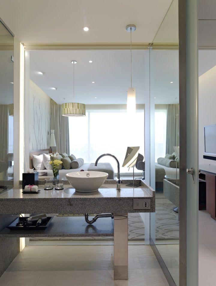 Hotel Room Wall: Wondeful Openness Created By Glass Walls. Vivanta By Taj
