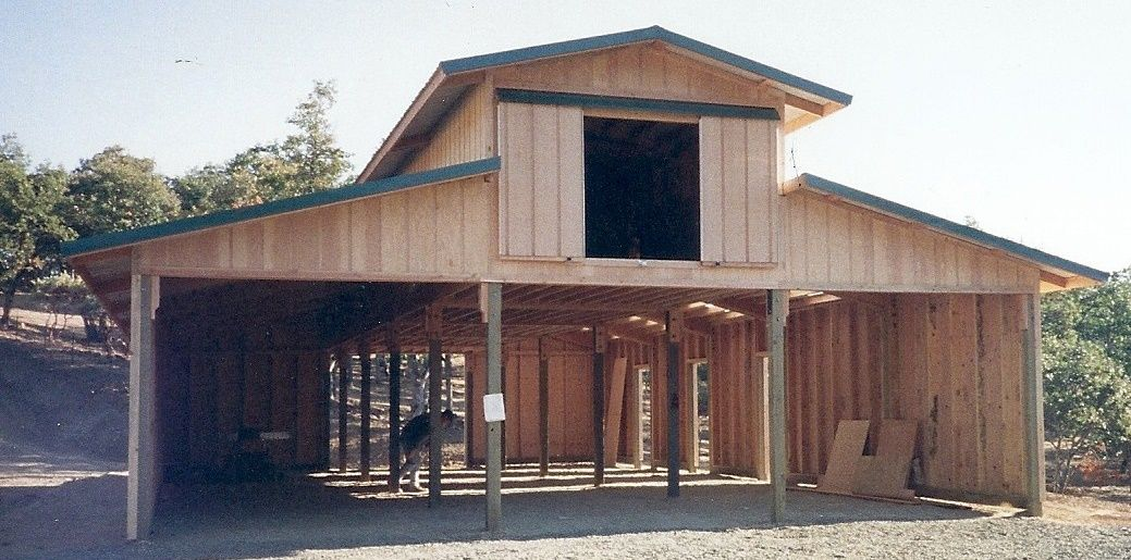 Pole barn construction southern oregon shop barn for Horse barn building
