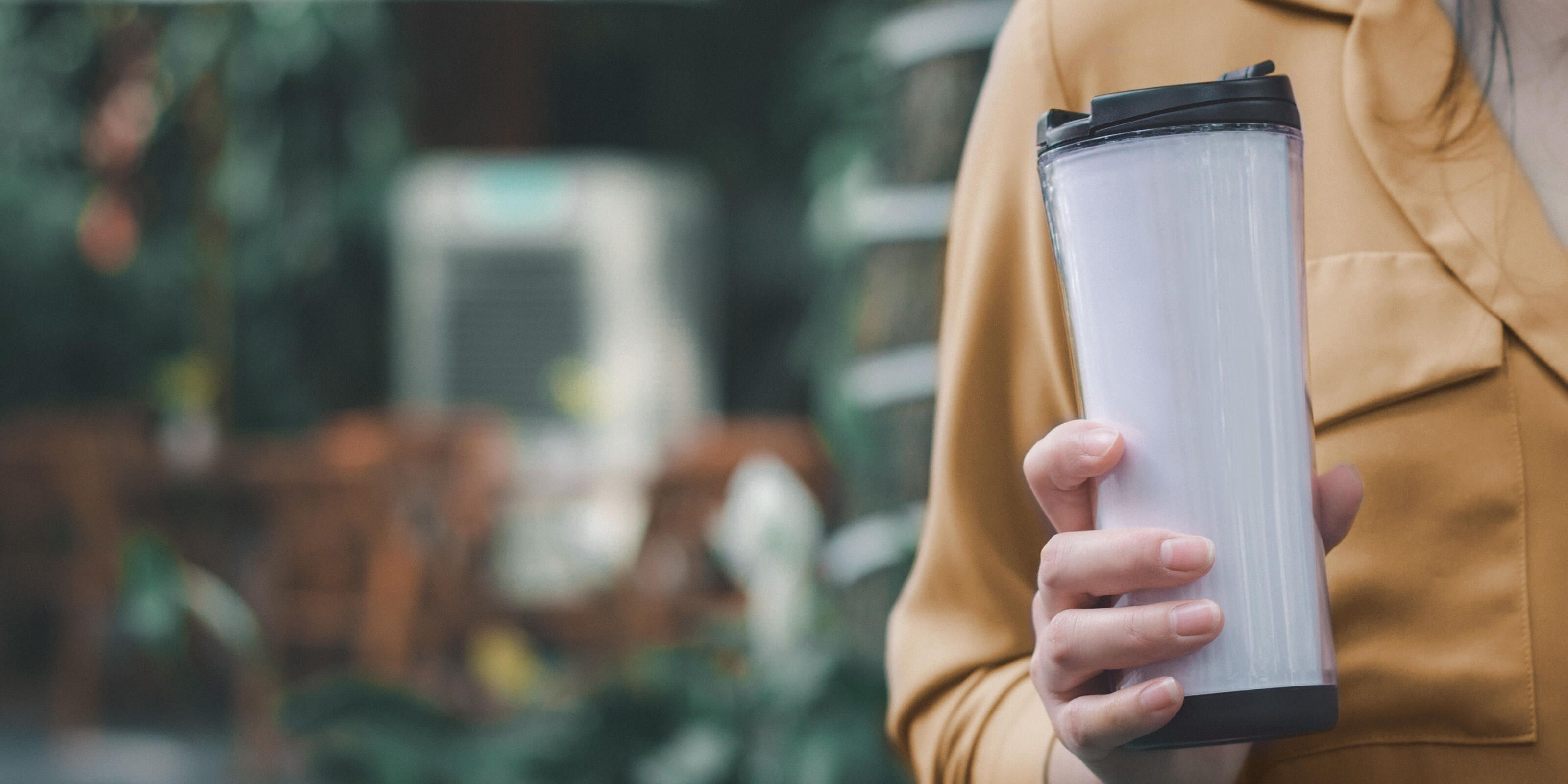 Why Bringing Reusable Cups to Cafes Hasn't Taken O